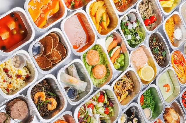 Opakowania niestandardowe, czyli jak wyróżnić catering dietetyczny