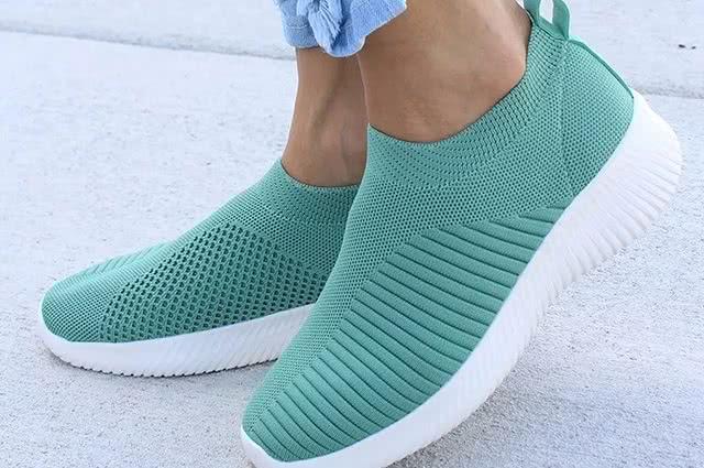 Zadbaj o jesienne obuwie tenisowe
